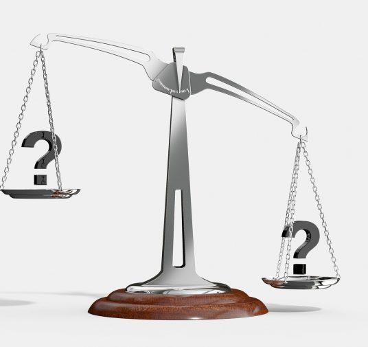 Що потрібно знати аудитору при прийнятті завдання з обов'язкового аудиту фінансової звітності емітентів цінних паперів